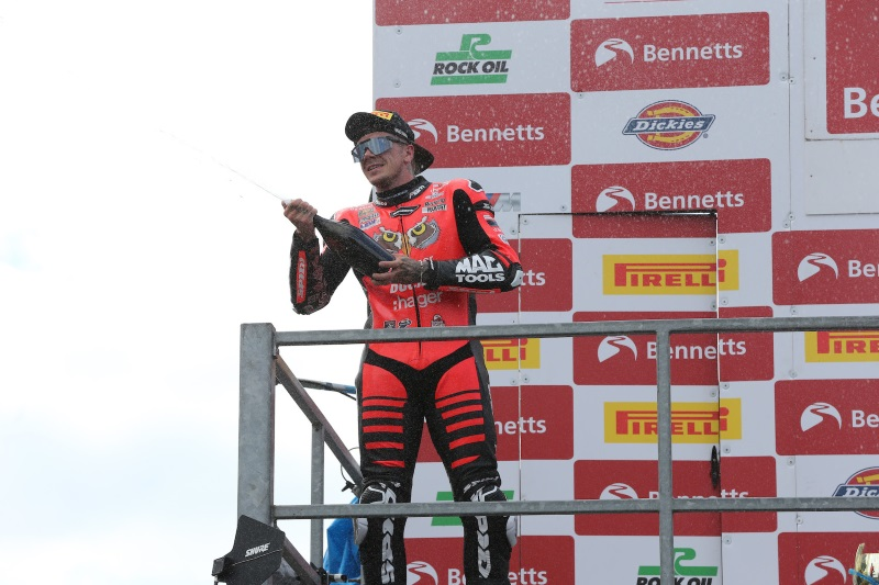 Oulton Victories Set Up Brookes And Redding For Showdown