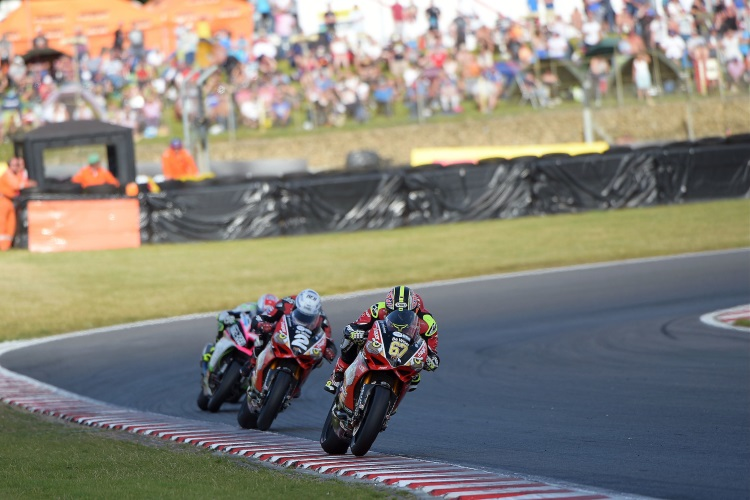 Shakey Strives For Five At Brands Hatch