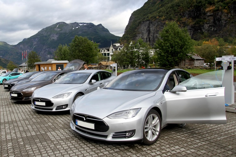 Norway to completely ban petrol powered car by 2025