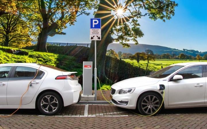 UK Government announces double funding for Electric Vehicle charging point