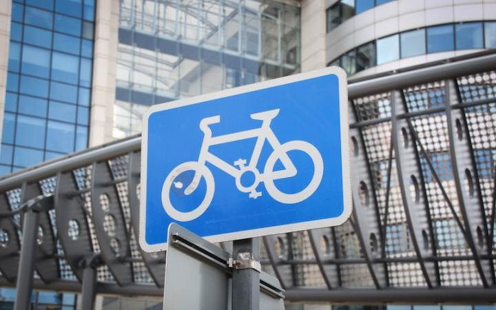 Councils to use CCTV to penalise drivers who park in cycle lanes