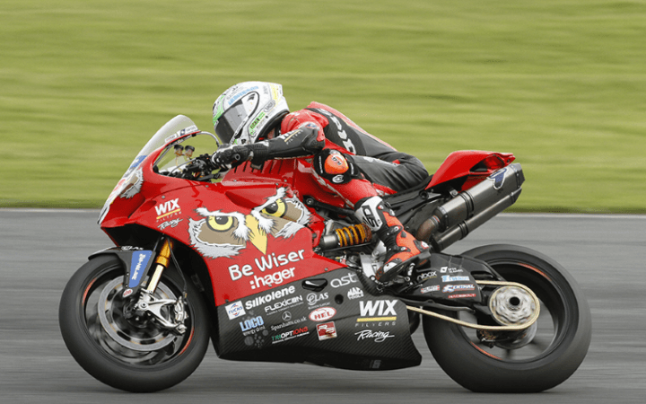Irwin Retains Sunflower Trophy