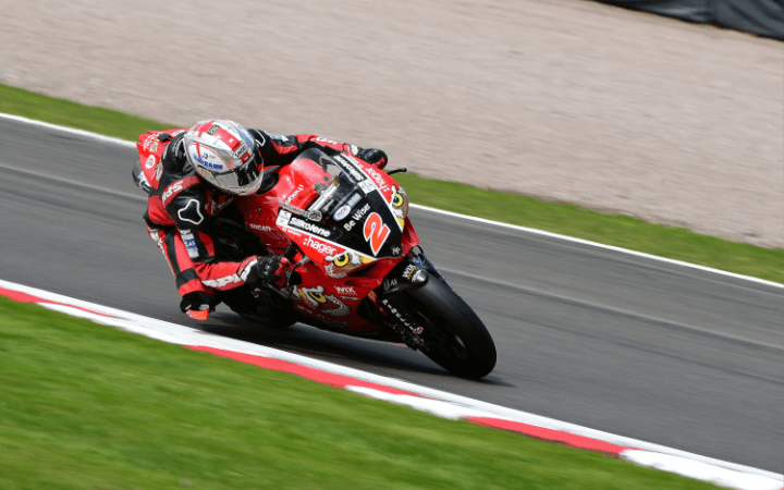 Byrne Blitzes To Pole At Oulton Park