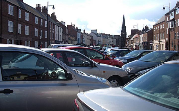 Drivers abandoning car journeys in residential parking wars