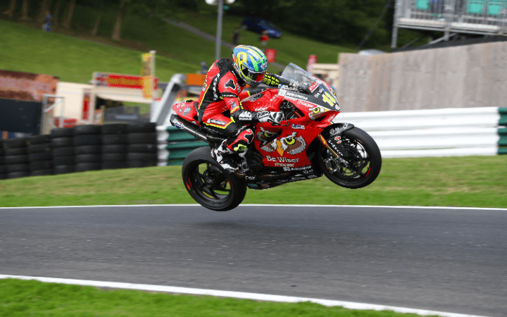 Second Row Start For Irwin at Cadwell Park