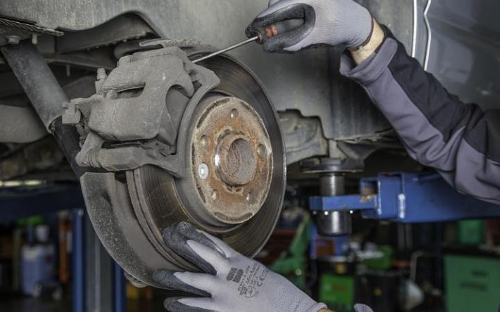 Over a million cars fail MoT for 'Dangerous' defects