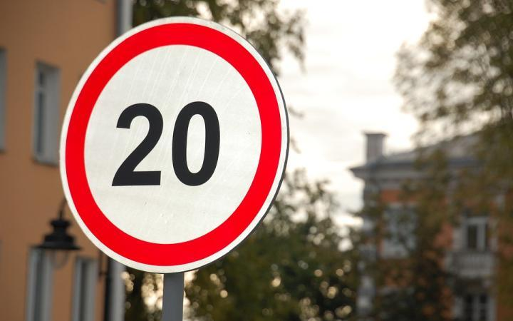 Official: almost all drivers break 20mph limits