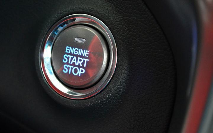 How Does Idling Your Engine Affect Your Car, the Environment and Your Wallet?